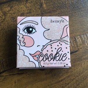 NEW - Benefit Cookie Highlighter